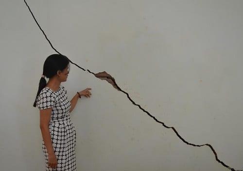 Tường bị nứt lớn