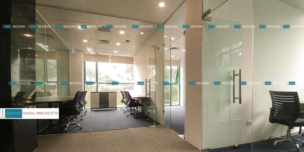 Thi công vách, cửa kính cường lực văn phòng