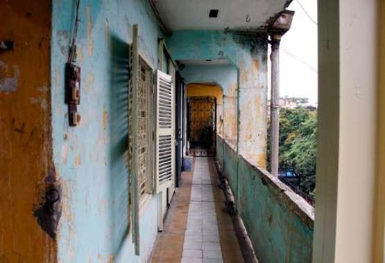 Ngôi nhà cũ kỹ cần được cải tạo đảm bảo không gian sống
