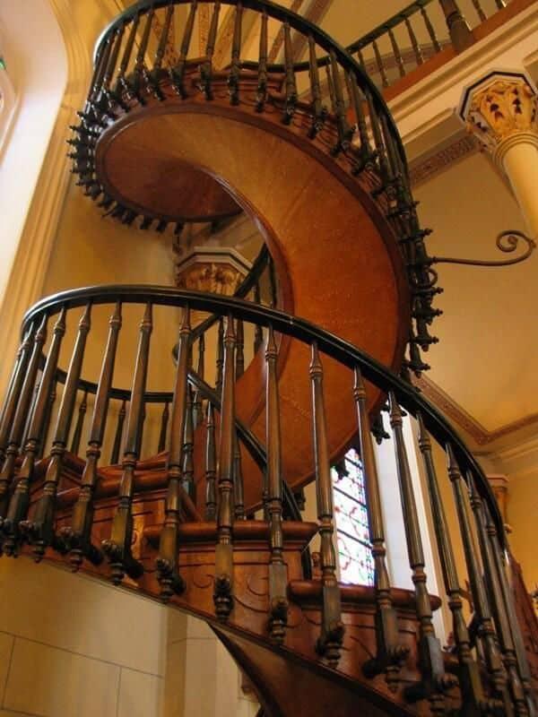 những kiêng kỵ cần tránh khi thiết kế cầu thang